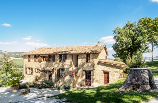 Large converted farmhouse for sale in Pergola