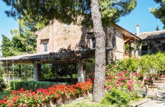 Casale/Villa di prestigio vista mare. Fermo