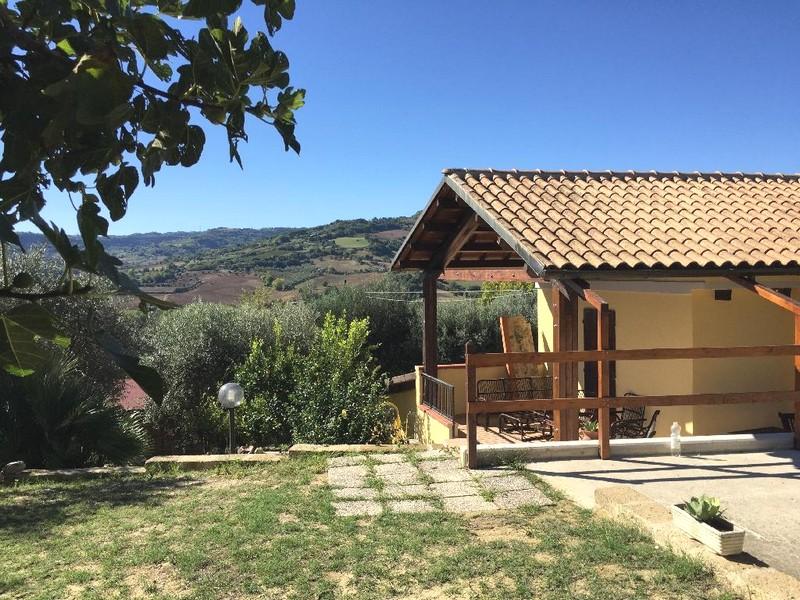 Casale ristrutturato a 5 km dal mare marche property for sale in