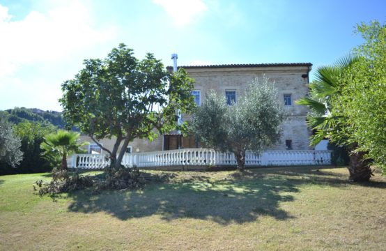 Fully restored farmhouse with sea view for sale