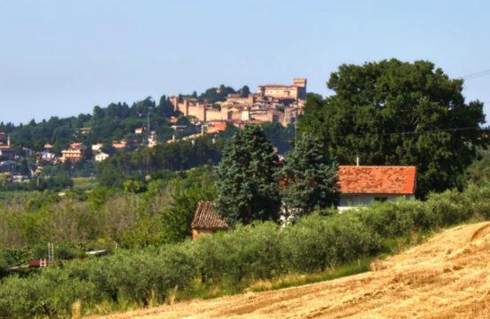 Casa colonica da ristrutturare, vista mare e Castello di Gradara, Marche