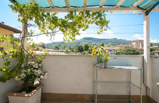 Ristrutturato, centro Ascoli Piceno, 3 camere. Terrazzo con vista