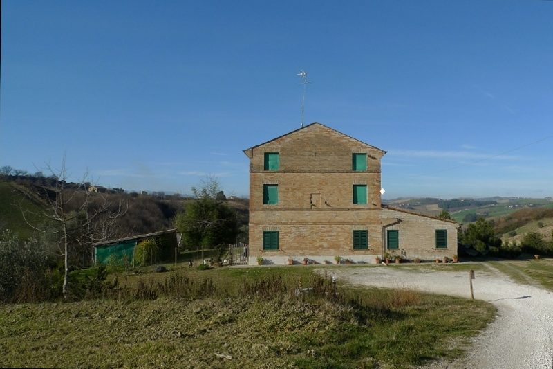 Partially Restored Farmhouse In Ponzano Di Fermo