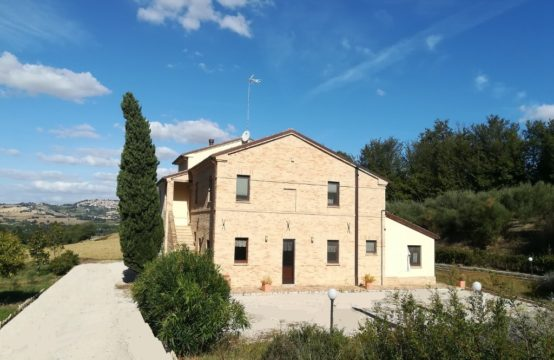 PRICE REDUCED. Accommodation for Sale in Potenza Picena Le Marche