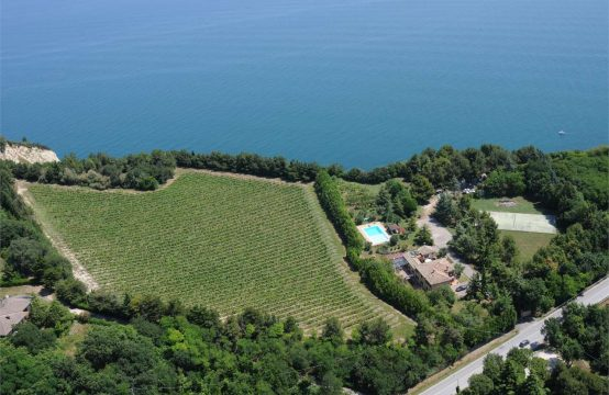 Prestigious luxury villa on the Conero coast