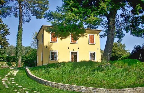 Villa for sale in Osimo. Marche