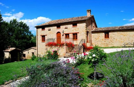 Prestigious agrituristic business for sale Marche