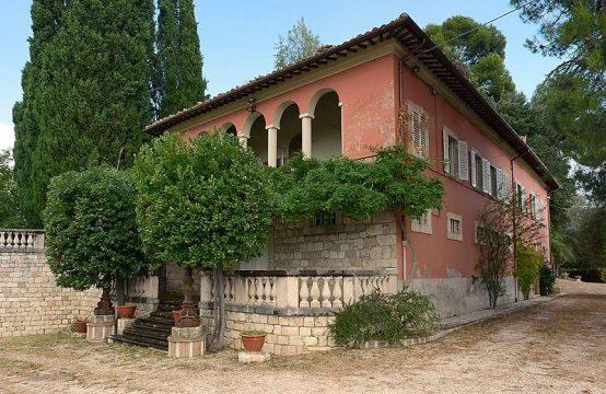 Villa  di prestigio con parco e vista su Ascoli Piceno