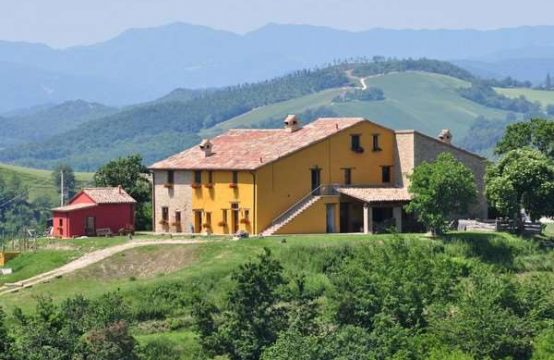Fully restored Country House in Urbino