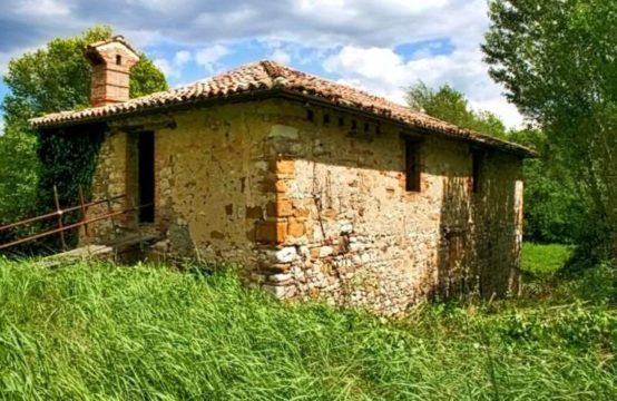 Mulino del XVIII secolo da ristrutturare in posizione meravigliosa