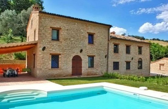 Farmhouse with pool, price reduced in Penna S.Giovanni