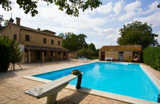 Restored Farmhouse for sale Marche. Pool, annexes