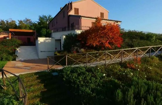 Farm with Accommodation near sea, Porto San Giorgio