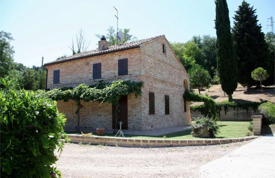 Price reduced. Restored Farmhouse/Country house for sale in Le Marche