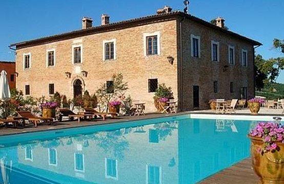 Villa di prestigio e storica residenza dei duchi di Urbino.