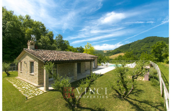PRICE REDUCTION. Restored Farmhouse /Villa for sale Marche – Smerillo