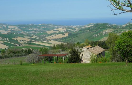 Farmhouse to restore  for sale in Le Marche.