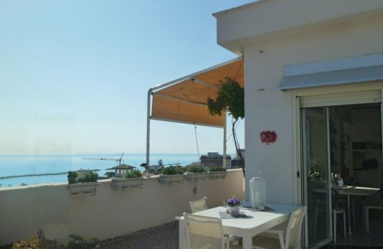 Penthouse for sale in Grottammare, Marche