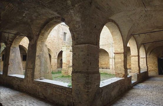 Price reduced. Ancient convent near the sea for sale in Acquaviva Picena. 3D TOUR