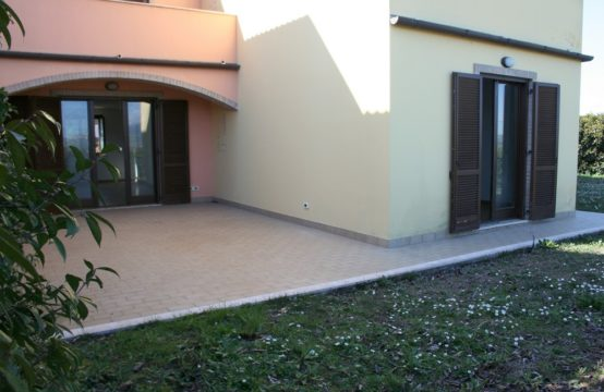 New apartment with large garden near Ancona