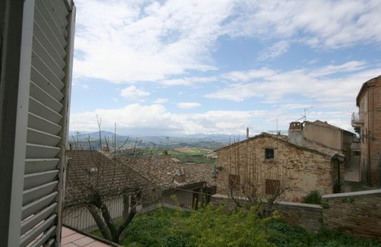 Town house to be restored for sale in Monterubbiano, Marche