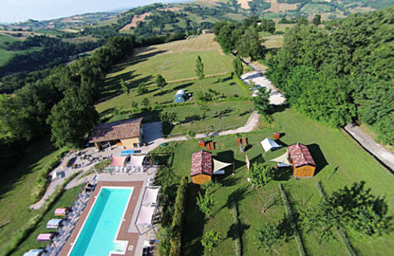 Agriturismo for sale Marche with Apartments, Glamping, camping, pool and farmland