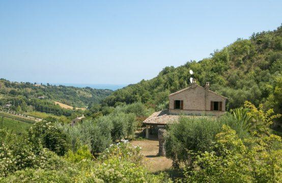Casa vista mare in vendita nelle Marche