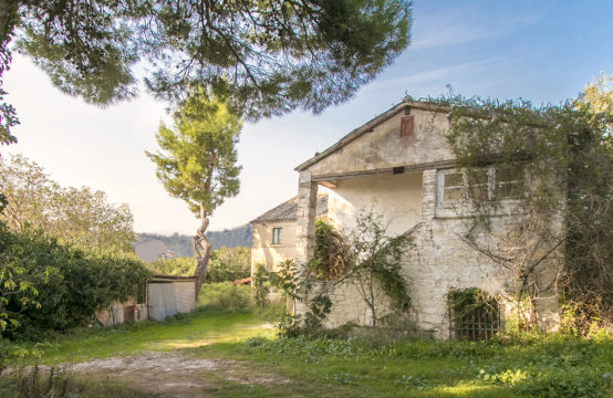Countryhouse to be restored in the Conero Park