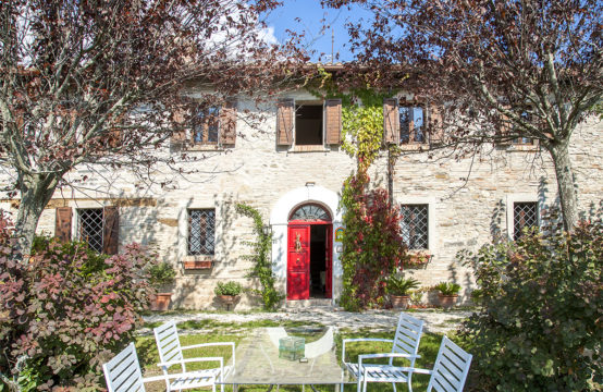 Beautiful ancient and panoramic 5 bedroom property for sale in Marche