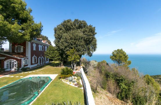 Beautiful villa for sale in Le Marche &#8211&#x3B; Conero