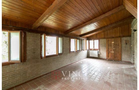 Casale abitabile con vari annessi, 10 box per cavalli in vendita Abbadia di Fiastra
