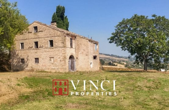 Farmhouse to be restored with beatiful view