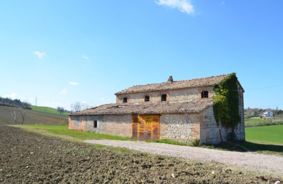 Farm with 95 hectares of land in the province of Rimini